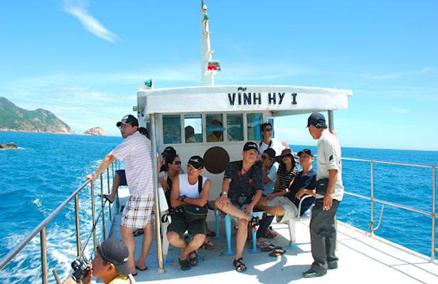Tour Ninh Chữ - Vĩnh Hy 2N2Đ – Resort 3 *