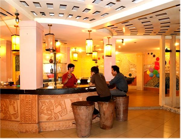 2 Ngày 1 Đêm Nghỉ Dưỡng Tại Làng Spa Resort - Tặng 1 Bữa Ăn Theo Set Menu + 2 Vé Tắm Bùn - Dành Cho 2 Người.