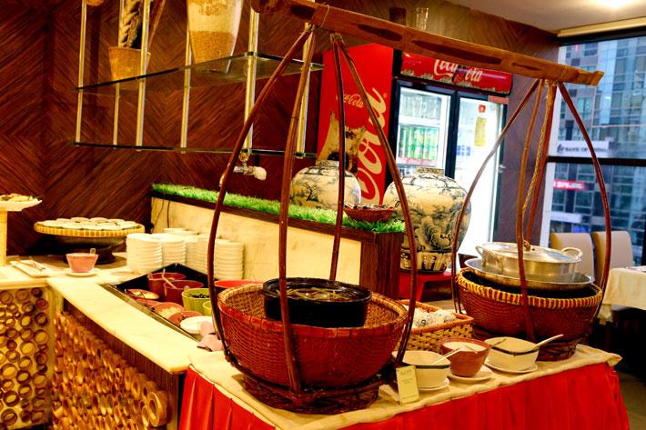 Buffet Gánh Buổi Tối Tại Khách Sạn Palace