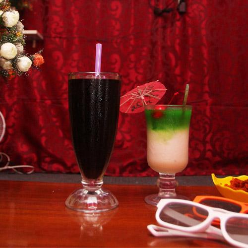 Ăn Uống, Xem Phim 3D Tại Smile Café