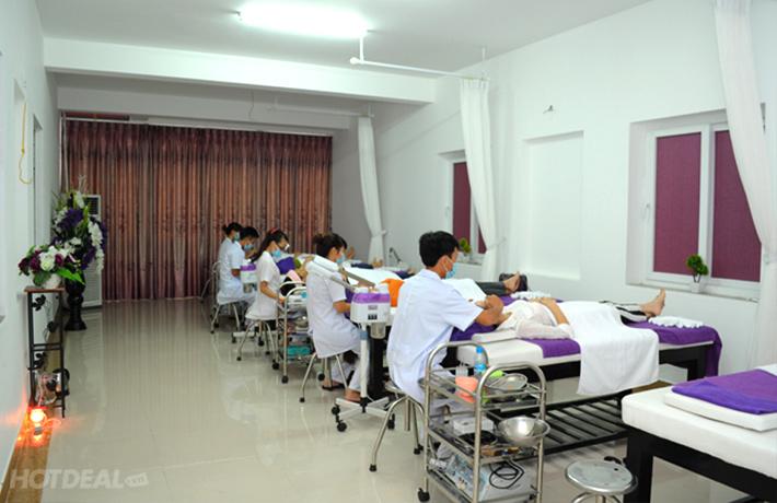 Massage Trị Cảm Viêm Họng Và Nhức Mỏi Xương Với Đá Muối Thuốc Bắc