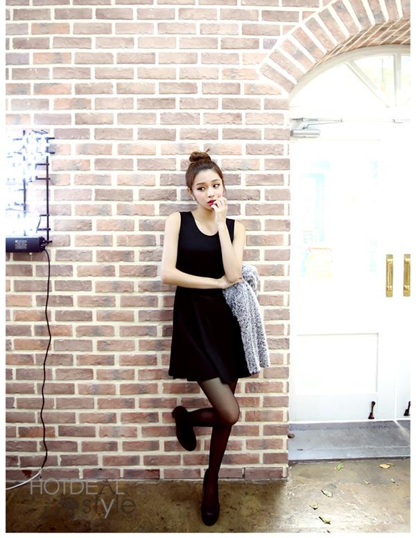 Set Đầm Liền Và Áo Lông Beautiful.