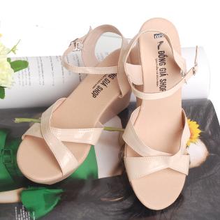 Giày Sandal Đế Xuồng Quai Chéo Thời Trang