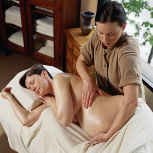 Massage Bà Bầu Tại MomSpa