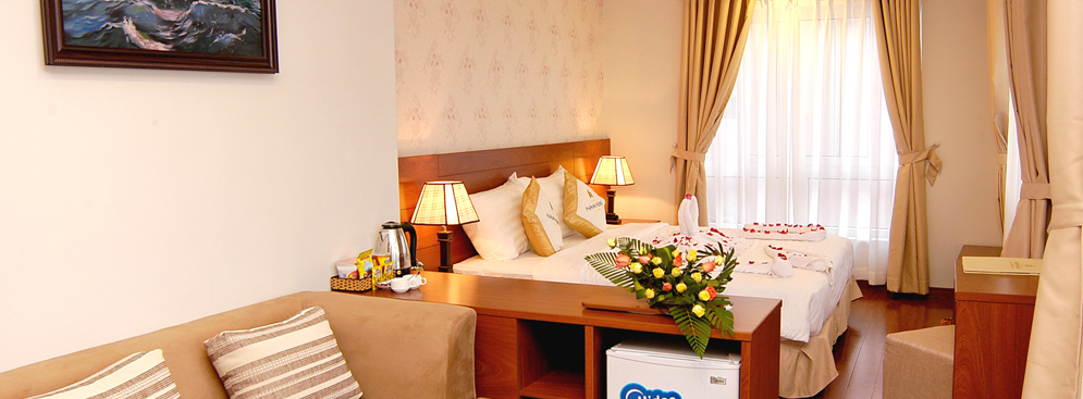 Phòng Deluxe KS Nam Hùng + Ăn Sáng Buffet Cho 2 Người