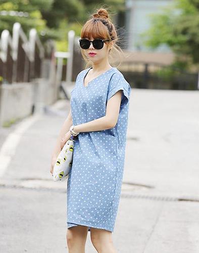 Đầm Denim Chấm Bi Oversize