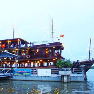 Set Menu Tối Hấp Dẫn Trên Tàu 5 Sao Indochina Junk