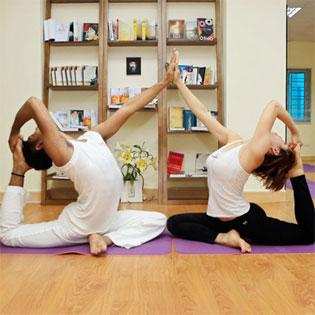Khóa Học Yoga Giảm Mỡ Bụng Nhanh Chóng Tại Omkar Yoga