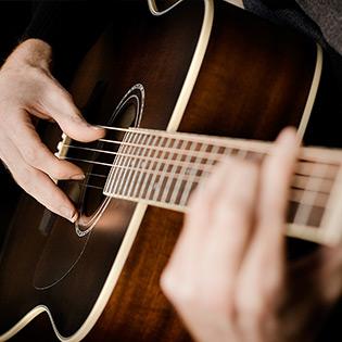 Voucher Mua Đàn Guitar Chính Hãng