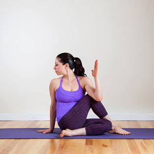 Khóa Học Yoga Tại Câu Lạc Bộ Sun Yoga & Zumba.