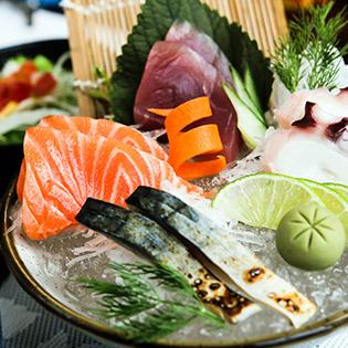 1 Trong 8 Set Ăn Nhật Bản Đặc Sắc Tại Sushi Dining AOI