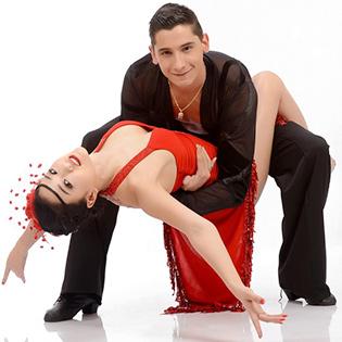 KH Khiêu Vũ Cơ Bản 8 Buổi Tại IDC Dance Club
