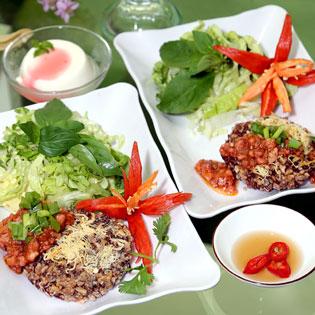 2 Phần Cơm Sấy Huyết Rồng+1 Phần Yaourt Nhật+1 Ly Chanh Tuyết Gừng