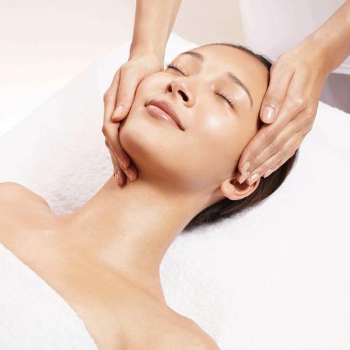 Massage Mặt Tinh Dầu Vàng 24K, Dưỡng Trắng Mặt – Tặng 01 lần Gội đầu Tại Spa Nối Mi Nga Tít
