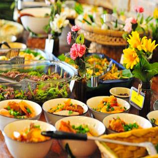 Buffet Trưa Hoặc Tối 40 Món Ăn 3 Miền Tại Buffet Hương Quê