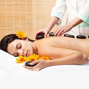 Massage Body Thái + Đá Nóng + Bấm Huyệt + Ngâm Chân