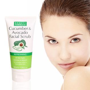 Beauty Formulas Sữa Rửa Mặt Tẩy Da Chết Dưa Leo 150ml