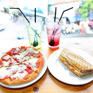 Pizza Phố Cổ Kèm Đồ Uống Cho 2 Người Tại Avem Coffee House