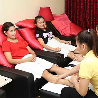 Massage Body + Foot Đá Nóng, Ngâm Chân 70' Miễn Tip - Viet Feet Professional Foot