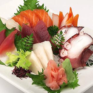 01 Trong 04 Set Sashimi Đúng Vị Nhật Bản Tại Tanaka Sushi