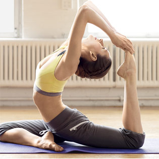 KH Yoga 14 Buổi Tại Golden Hearts JSC - Yoga Secret Communication