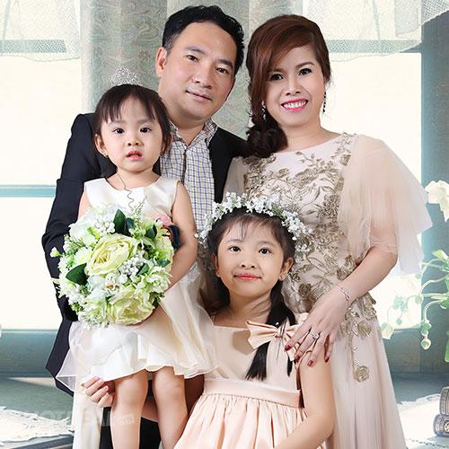 Chụp Ảnh Cho Bé & Gia Đình/ Chân Dung Nghệ Thuật Tại Trí Nguyễn Studio