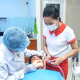 Tẩy Trắng Răng Bleach Bright Tại Nha Khoa Á Âu