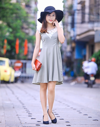 Váy Vintage Phối Ren Ngực Điệu Đà