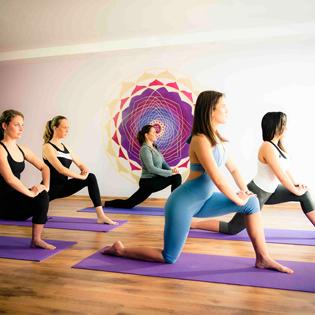 Khóa Học Yoga Giảm Béo Tại Star Fitness Đền Lừ
