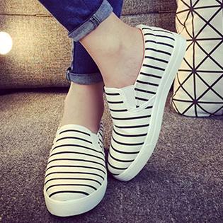 Giày Bata Slip On Sọc Thời Trang