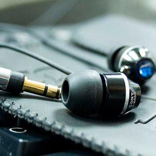 Tai Nghe Kiểu Dáng Sony EX088 - Màu Sắc Và Thiết Kế Đột Phá