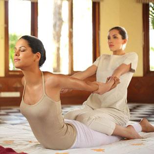 Massage Body Thái Kết Hợp Với Đá Nóng + Xông Hơi Đá Muối Himalaya