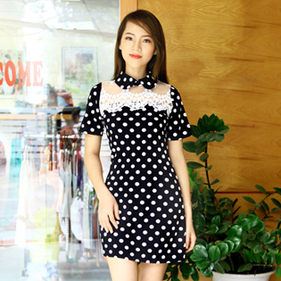 Sang Thu Nhẹ Nhàng Với Váy Chấm Bi Phối Ren