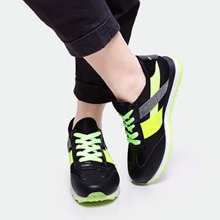 Nổi Bật  Và Phong Cách Với Giày Thể Thao Nữ ALB8619
