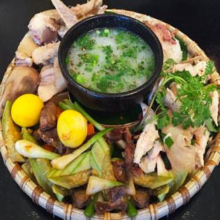 Set Gà Ta Lên Mẹt/ Gà Ăn Lúa Dành Cho 4 Người Tại Món Việt Quán
