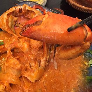 Combo Cua Sốt Tương Ớt Đặc Biệt Nguyên Con + 1 Phần Bánh Mì – Món Việt Quán