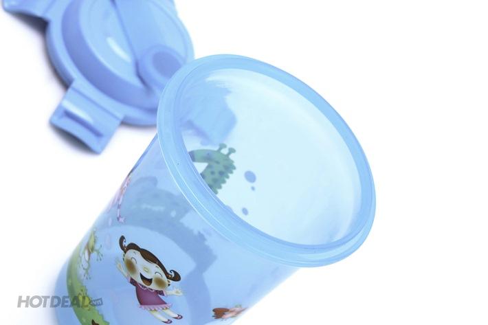 Bình Đựng Nước Nhựa Cho Bé 650ml Có Nắp Gài Nhập Khẩu Malaysia
