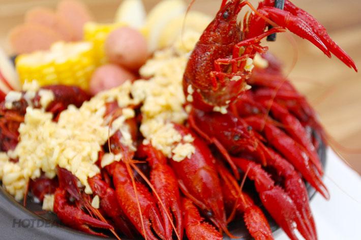 Combo Tôm Hùm Đất Crawfish Kiểu Mỹ 500gr + Bánh Mì Guido Restaurant