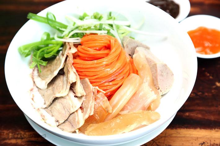 Phở Sắc Màu 100% Từ Rau Củ + Yaourt, Bánh Flan Cho 2 Người - Phở Hai Thiền