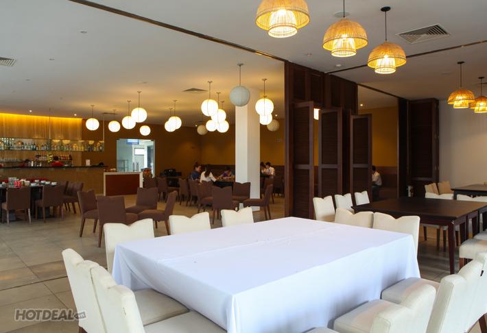Chi's Restaurant & Lounge - Lẩu Thập Cẩm Hấp Dẫn Cho 4 Người