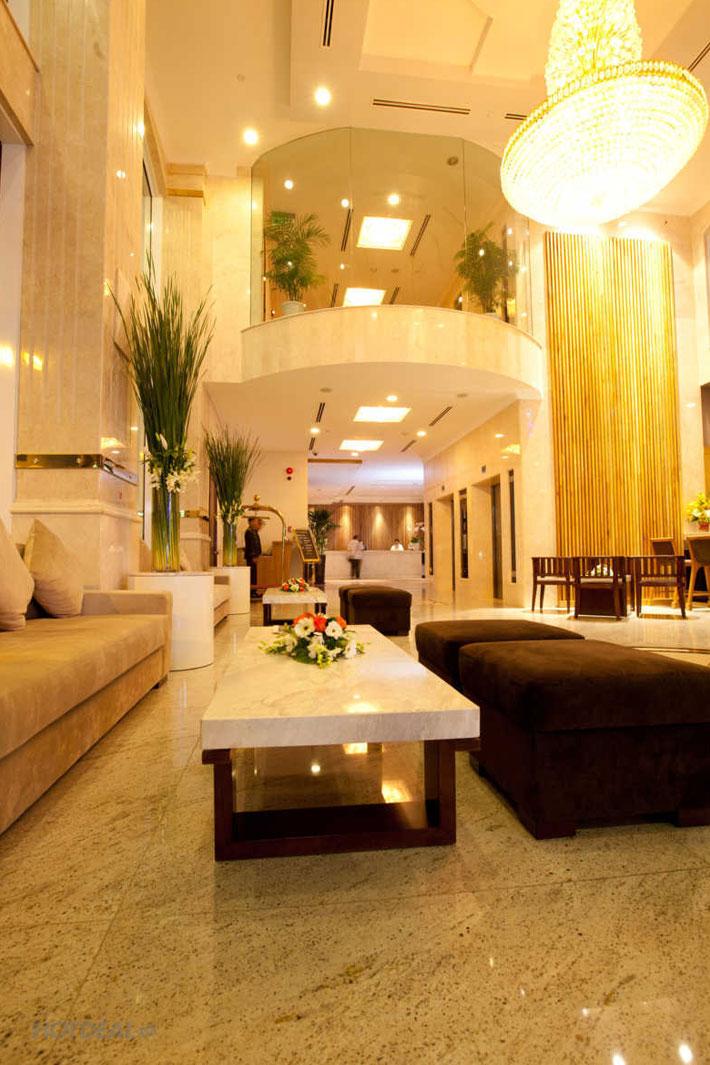 Trải Nghiệm Thức Uống Trong Không Gian Tuyệt Đẹp Của Golden Central Hotel 4*