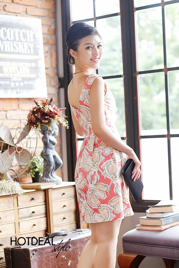 Đầm Kaki Hoa Xinh Xắn