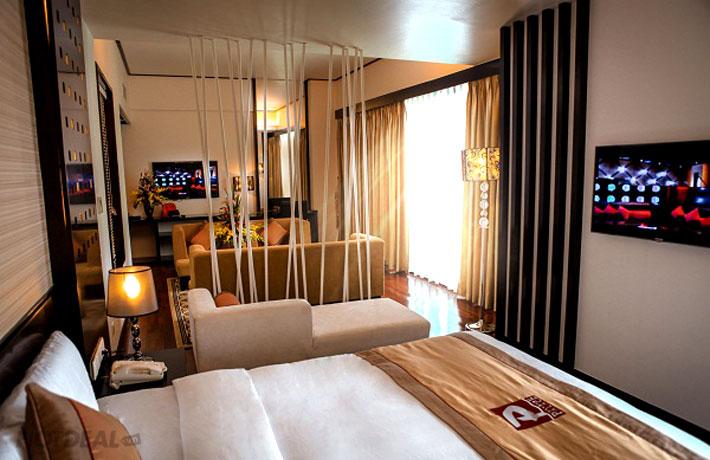 Tour Hạ Long Royal Palace Cruise 4* (2N1Đ) + 01 Đêm KS Palace 4*