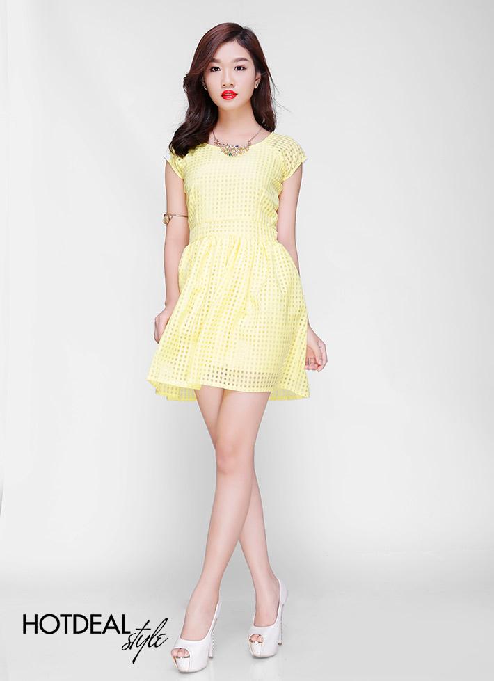Đầm Xòe Ren Ô Vuông Trẻ Trung